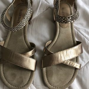 Ellen Tracy gold sandals sz 9